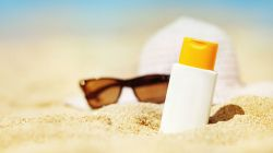 Jak vybrat správný opalovací krém? Značka: hlavně se nespálit!